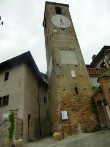 Neive - Torre dell'orologio
