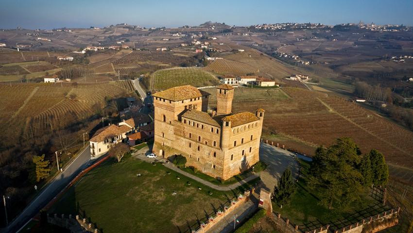 Grinzane Cavour - Vista aerea del Castello