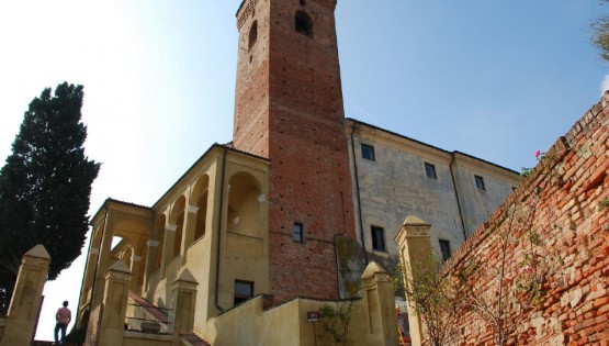 Cisterna d'Asti: the castle and the arts and crafts museum
