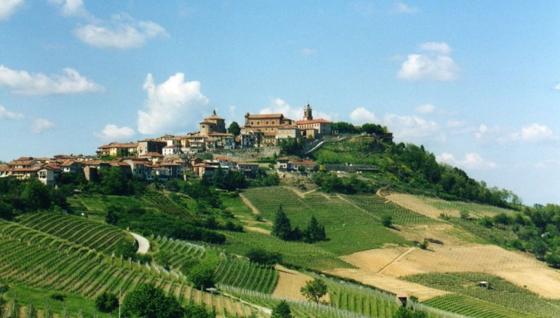 The path of Barolo of La Morra