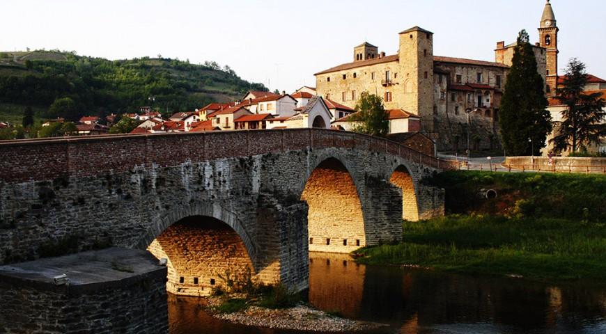 Il castello di Monastero Bormida