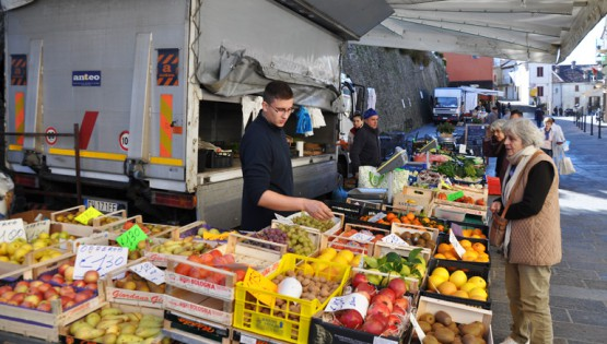 Il mercato del venerdì a Murazzano
