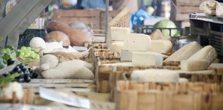 bra_cheese_market_1