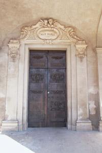 Il portone della Pieve di Santa Maria - Vesime