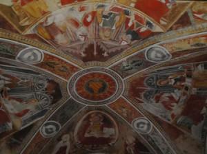 Gli affreschi sul soffitto di S. Martino