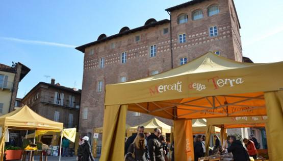 Il mercato del sabato ad Alba