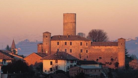 Biking through castles – between Castiglione Falletto and Serralunga d'Alba