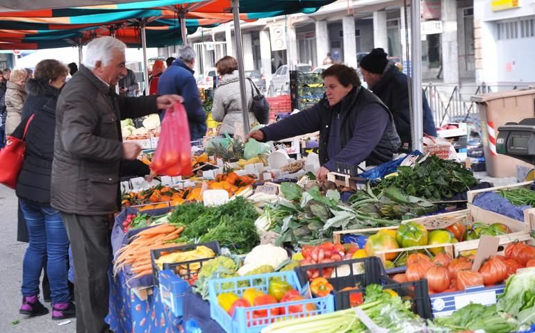 mercato_costigliole_asti