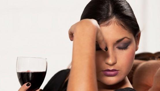 Mal di testa da vino? Tre trucchi per farlo sparire