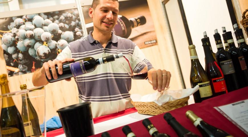 Paolo Demarie nello stand del Mercato Mondiale del Tartufo