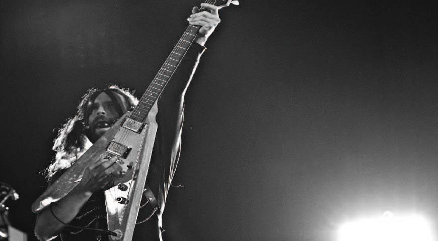 Xabier Iriondo in concerto con gli Afterhours