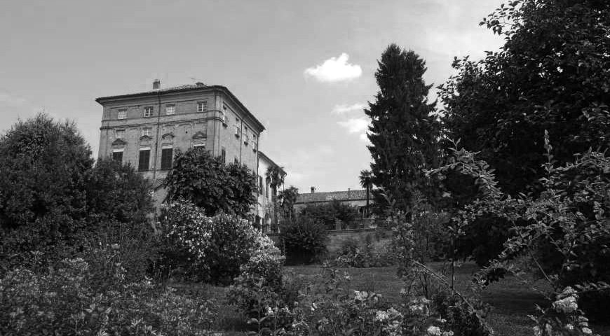 resized-castello-di-verduno-esterno1