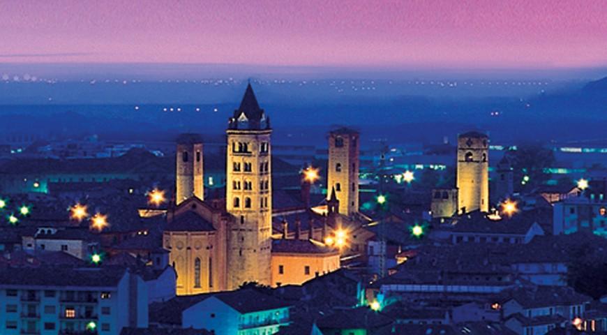 Il centro storico di Alba