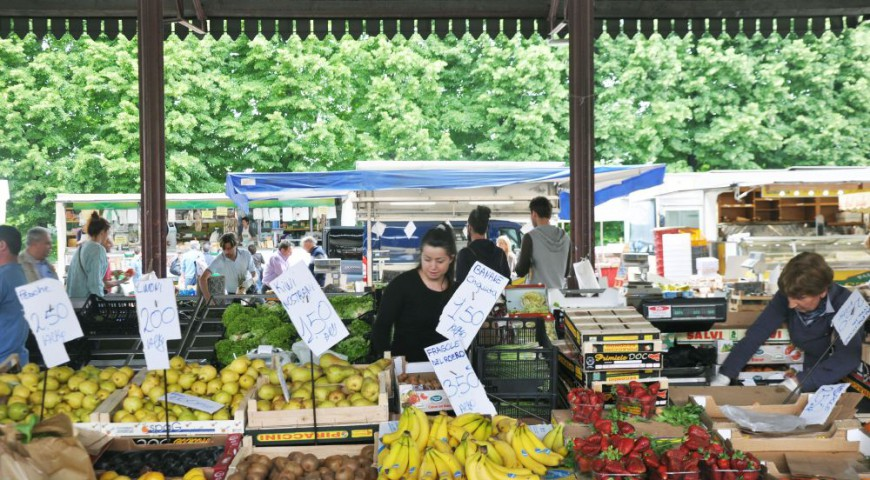 mercato_sabato_alba_langhe