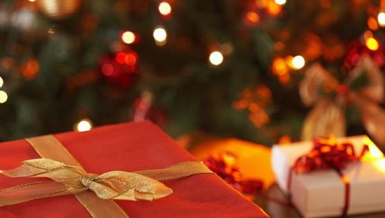Il Villaggio di Babbo Natale: Babbo Natale distribuisce Doni