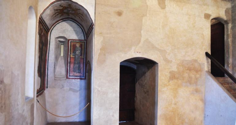 serralunga_alba_castle1