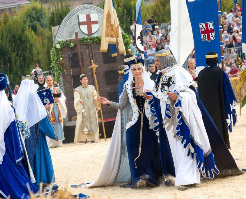 La sfilata del borgo di San Lorenzo - Alba