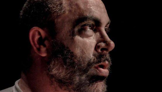 Teatro: Sogno al silenzio del piano