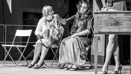 Teatro: Tua Madre è Leggenda