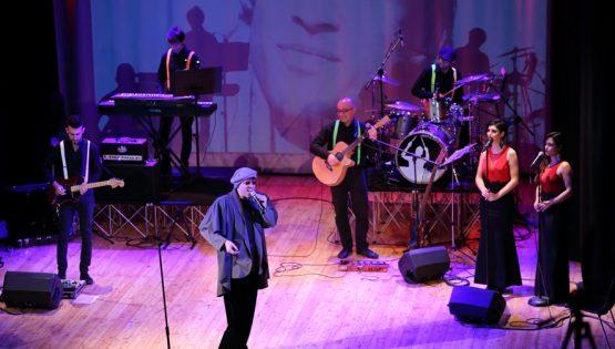 Il folle e la band: tributo a Celentano
