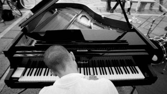 Aperitivo e musica