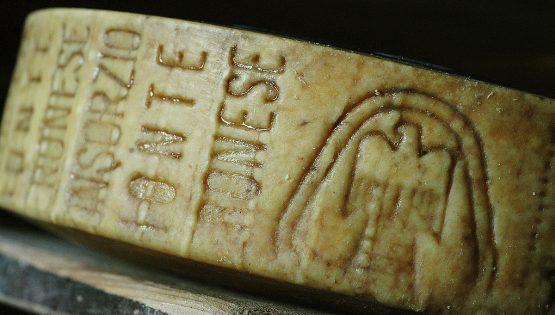 Cheese: Monte Veronese di malga alla prova dell'Amarone