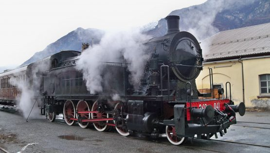 Atmosfere natalizie in treno a vapore