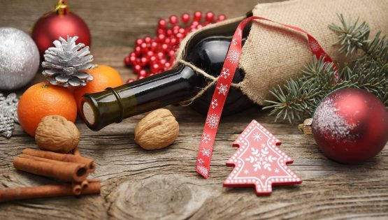 6 reasons why a bottle of wine as a gift is just brilliant