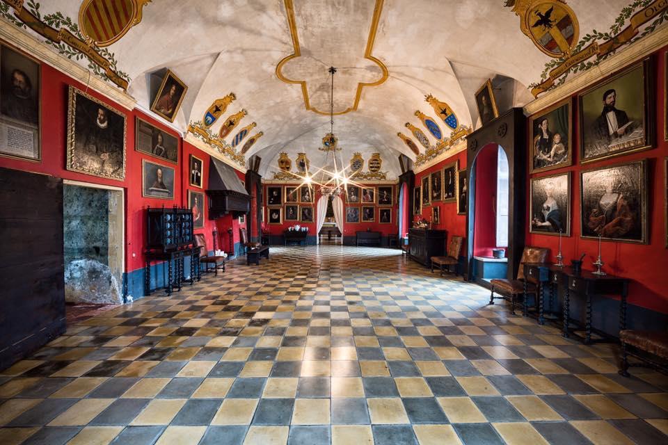 Castello di Monticello - sala quadri