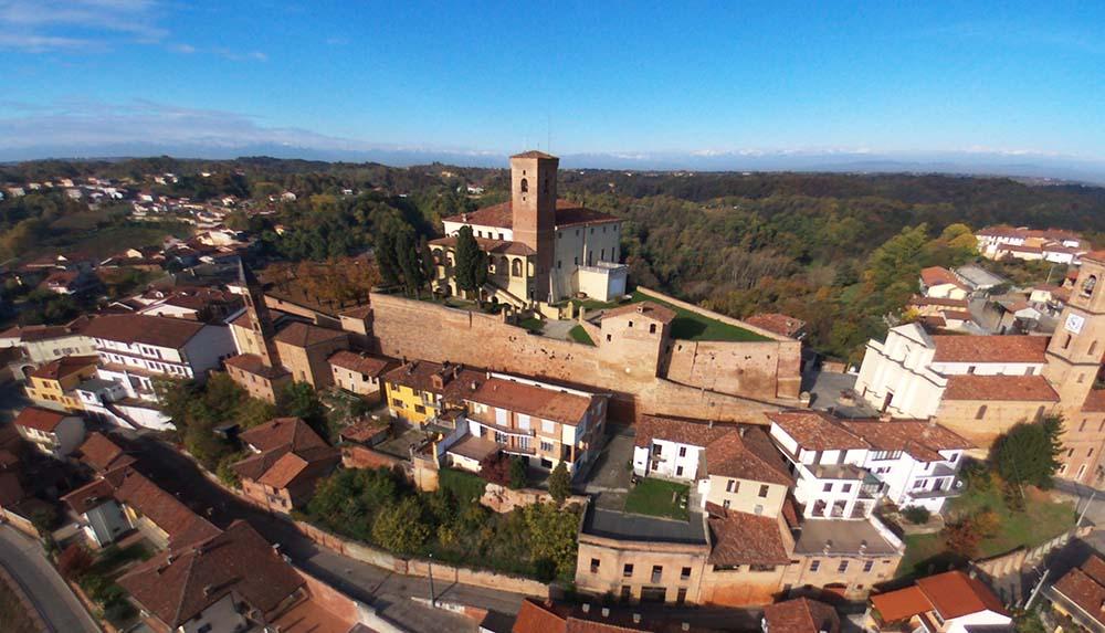 Castello di Cisterna d'Asti