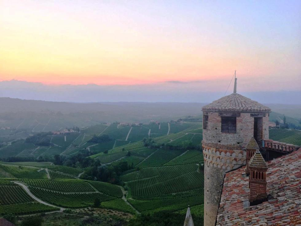 castello di Serralunga